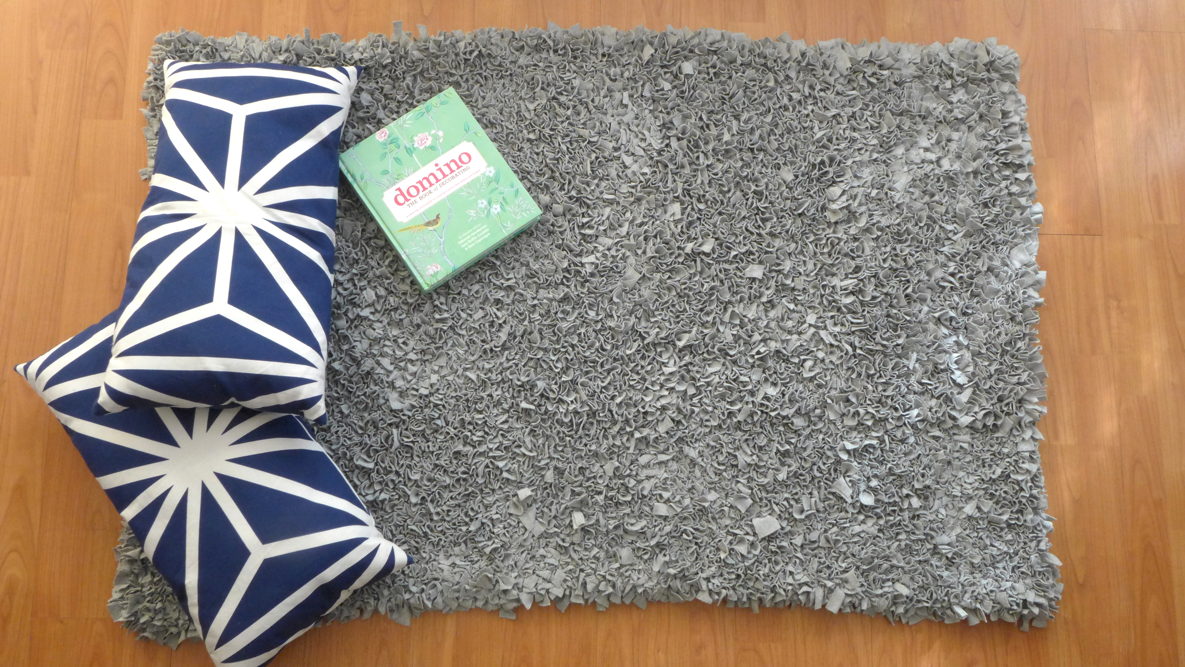 Alfombra de tela y nudos - Telas para alfombras ...