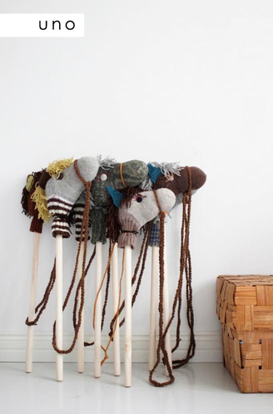 calcetin-caballos-palo-diy