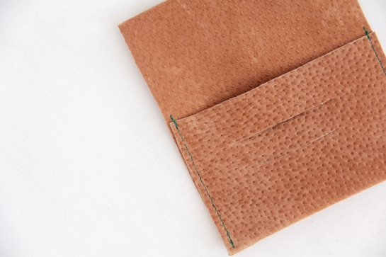 porta-tarjeta-cuero-diy-3
